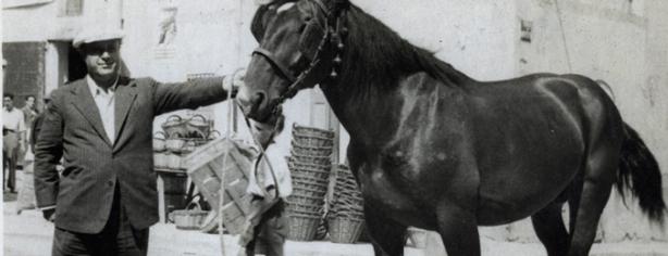 A Sant Sadurni d'Anoia, a una Fira, l'any 1945