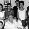 Els darrers dies del poeta a la Pensió Roca amb alguns amics, entre ells Miquel Capalleras (dret, l'últim a la dreta)