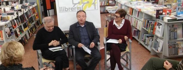 J. Pla, C. Fages i M. M. Cuartiella a la presentació a Girona